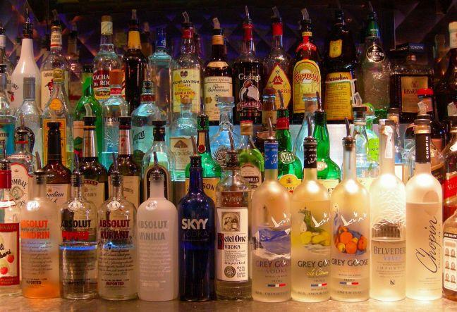 Bottles_at_a_Bar