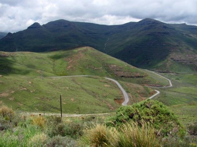 Scenery_Mountain_Pass_Road_3