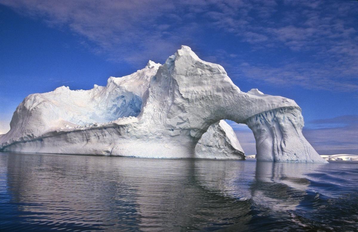 Hallways : Iceberg